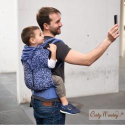 BabyMonkey Agilo ергономична раница Affresco - размер Toddler (15-36 месеца)